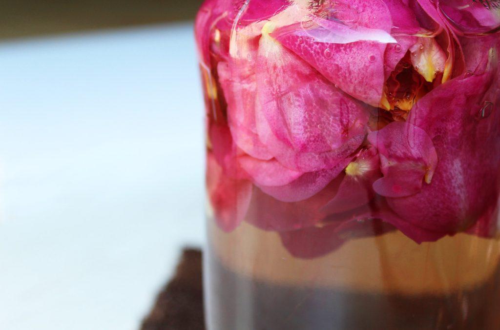 letters-and-beads-diy-beauty-rosenwasser-wasser-heisser-aufguss