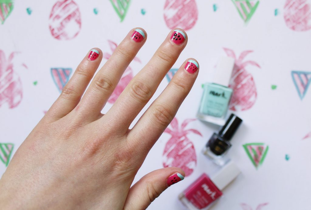 letters beads-beauty-nailart-wassermelone-nagellack-watermelon-summer-nails-kerne-schwarz-finish