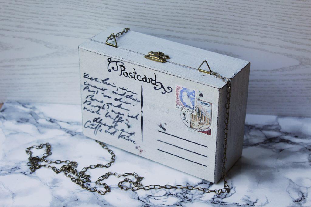 letters beads-fashion-diy-holz-clutch im postkarten design-aussen ansicht