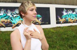 letters beads-fashion-tipps-dankbarkeit-tüllrock-graffiti-close-beauty-makeup_1