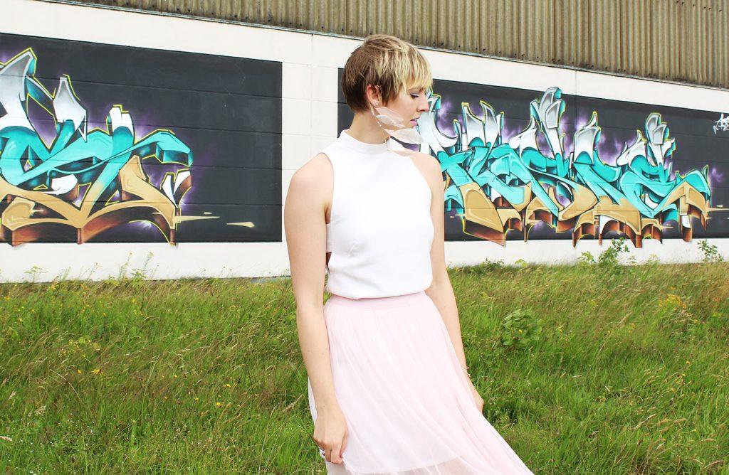 letters beads-fashion-tipps-dankbarkeit-tüllrock-graffiti-close-titel