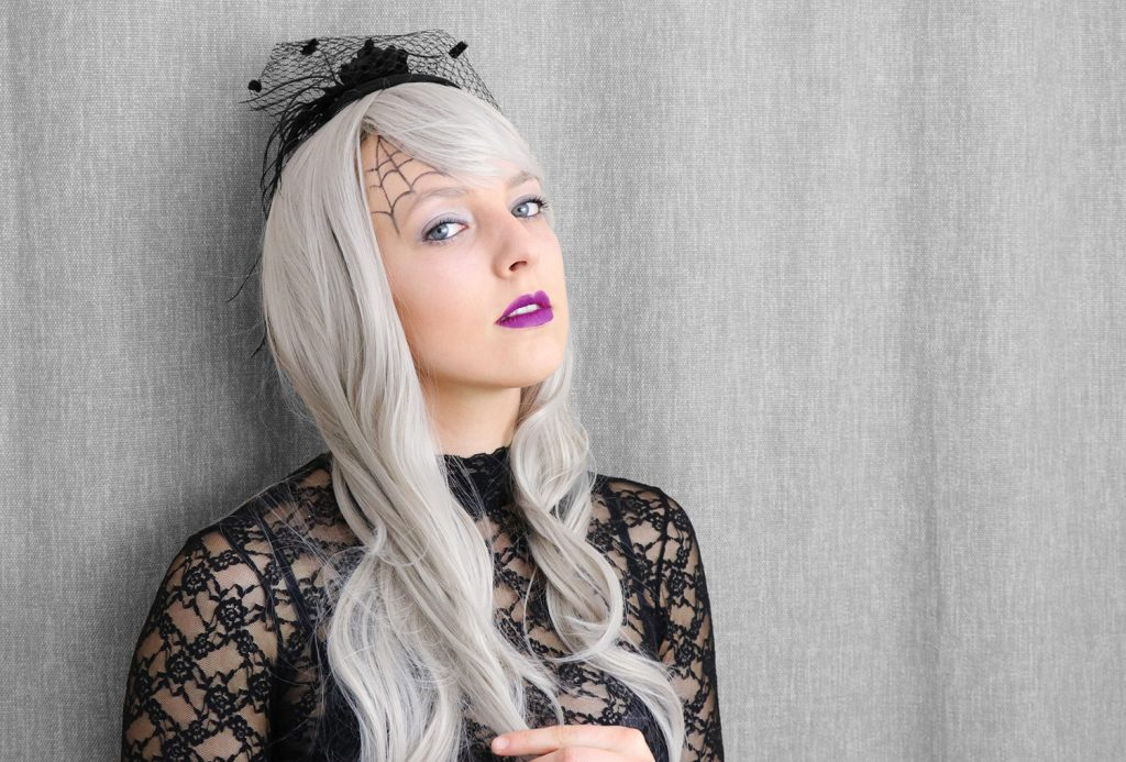 letters_and_beads_beauty_make-up_femme_fatale_grey_hair_wig_horror_braut_1