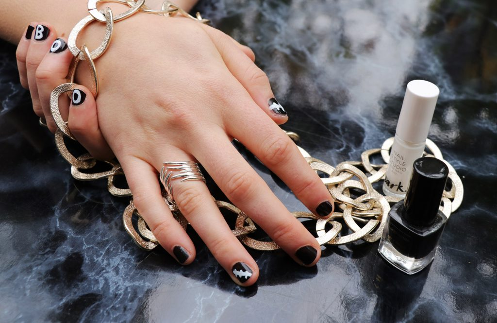 letters_and_beads_diy_beauty_easy_spooky_nageldesigns_narbe_frankenstein_genäht