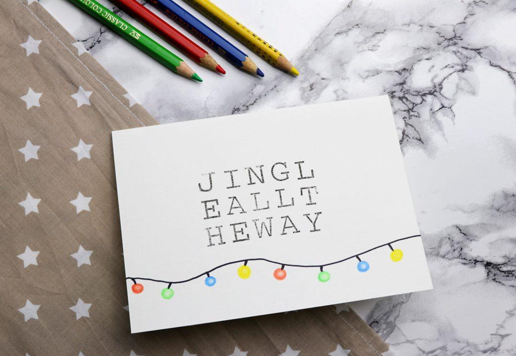 letters-and-beads_diy-grusskarten-mit-stempeln-gestalten_buntstifte-sharpie-jingle-all-the-way_lichterkette