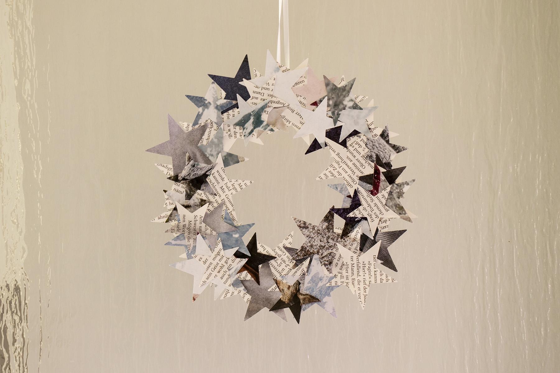 letters_and_beads_zero_waste_christmas_dekoration_weihnachtlicher_tuerkranz_aus_papier_reste_header