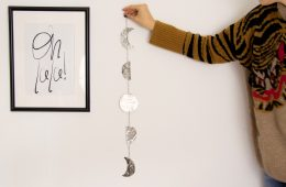 letters_and_beads_do-it-yourself-wanddeko-mondphasen-metall_titel