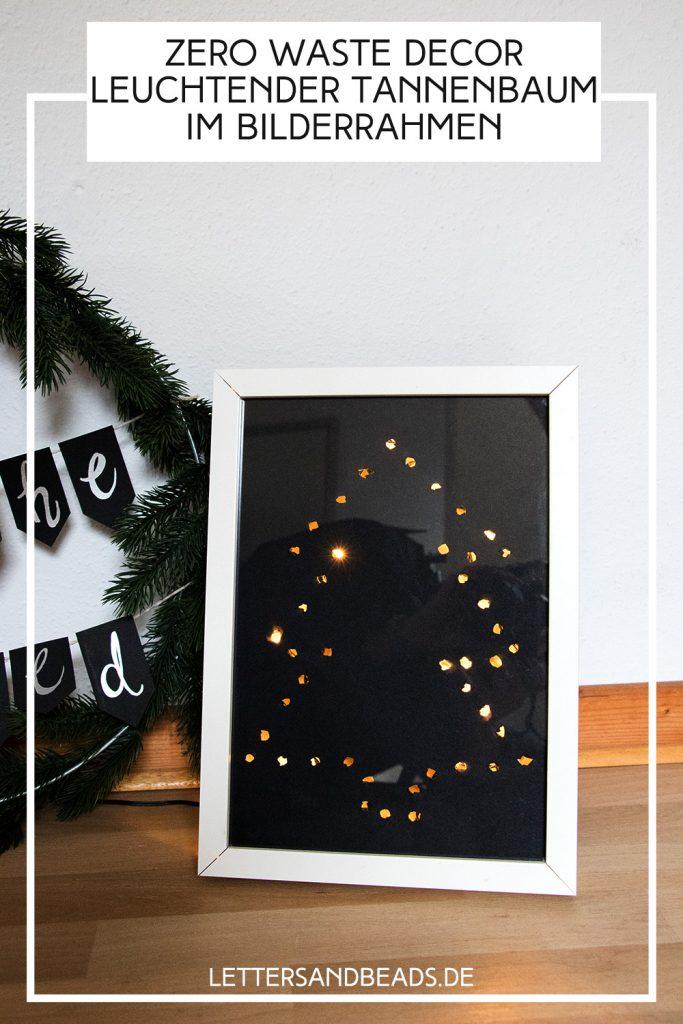 letters_and_beads_zero_waste_xmas_weihnachtsbaum_im_bilderrahmen_lichterkette_pin
